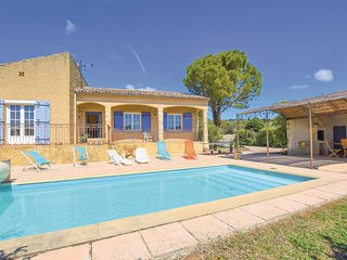 Stunning home in Cairanne with Outdoor swimming pool, WiFi and 5 Bedrooms (FPV61