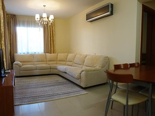 Danaos 6/01 . Ground floor 2 bedroom apartment 450 M from the sea