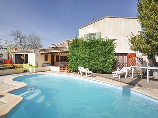 Stunning home in Ornaisons w/ WiFi, 3 Bedrooms and Outdoor swimming pool (FLA216