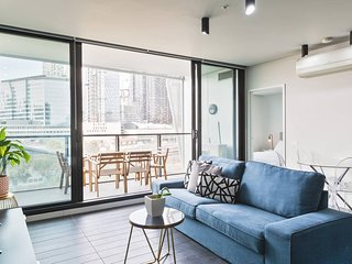 Urban Stay at Lacrosse, Melbourne City