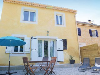 Stunning home in Vaison Sablet w/ 2 Bedrooms and WiFi (FPV623)