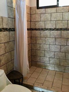 Baño privado segundo piso.