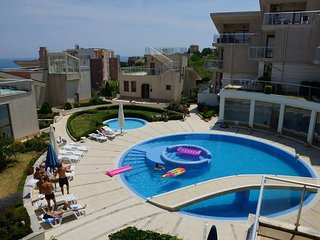 Big 3 Floor Villa With Pool And Beach