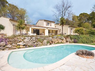 Amazing home in Roquefort les pins w/ Outdoor swimming pool, WiFi and 4 Bedrooms