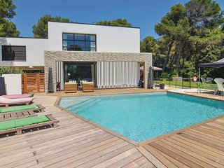 Stunning home in Salon-de-Provence w/ WiFi and 0 Bedrooms