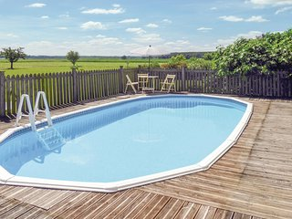 Beautiful home in Lagrueres w/ Outdoor swimming pool, WiFi and Outdoor swimming