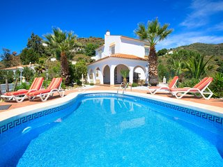 3 bedroom Villa with Pool, Air Con and WiFi - 5793892