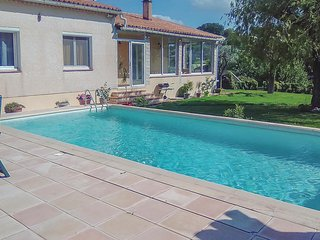 Awesome home in St Andre d'Olerargues w/ Outdoor swimming pool, Outdoor swimmi