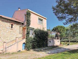 Nice home in Avignon w/ 2 Bedrooms
