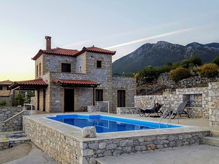 Villa Arsinoi in Stoupa, private pool, full privacy and spectacular sea views.