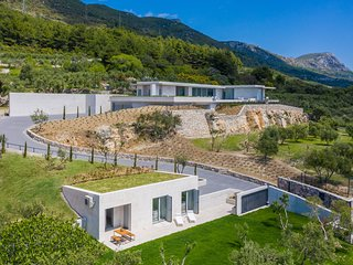 Villa Radun Home with Grand Heated Pool