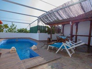 Apartamento con piscina privada, gran terraza, barbacoa y vistas al mar