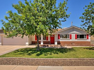 NEW! Home w/ Pool - 2mi to Old Town & Papago Park!