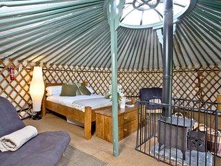 Yurt 4, East Thorne Farm - A beautiful Mongolian yurt on a glamping resort near