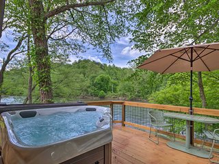 Cabin on Tuckasegee River-Mins to Bryson City