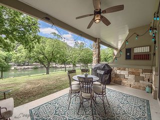 Guadalupe Riverfront! Upscale gated complex with pool, direct river access!