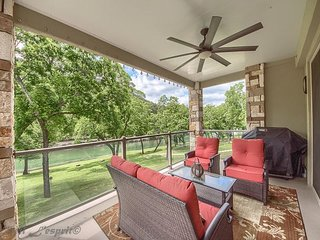 Upscale Guadalupe Riverfront with a pool and direct river access!!