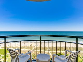 Ocean Front Condo with Balcony Meridian Plaza 903