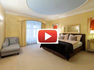 Prime location 2 bed apartment 'SONNENFELSGASSE'