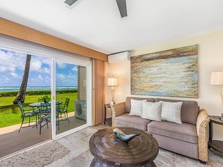 PONO KAI B101, REMODELED, AC, BEACHFRONT, WALK TO TOWN, SUNRISE VIEWS