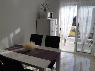 Two bedroom apartment Vrsi - Mulo (Zadar) (A-5859-c)