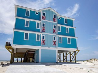Easy Breezy East ~  9 BR ~ Gulf Front ~ Sleeps 22 ~ Pool