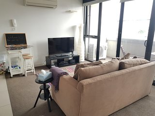 1 bedroom secure apartment in the heart of Prahran