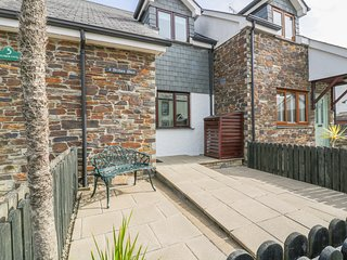 ARCHIE'S PLACE, open-plan living, modern interior, near Wadebridge