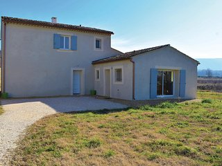 Amazing home in Bonnieux w/ WiFi and 3 Bedrooms
