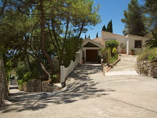 Luxury Villa with Private swimming pool 10 mins walk from Mijas Pueblo