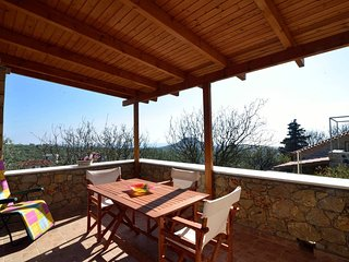 'Iris' Stone house/amazing view/1km to the beach