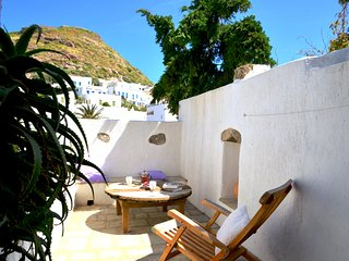 Mimallis traditional houses on Milos,Taylor's house
