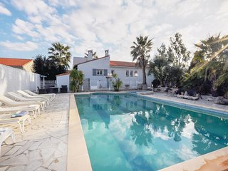 Nice home in Baixas w/ WiFi, Outdoor swimming pool and 4 Bedrooms