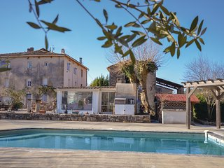 Beautiful home in Cabasse w/ Outdoor swimming pool, Outdoor swimming pool and 3