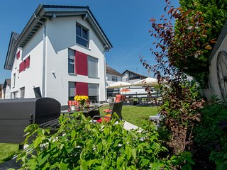 Garten-Ferienwohnung für Gruppen mit 9-12 Personen im Apartmenthaus Horster