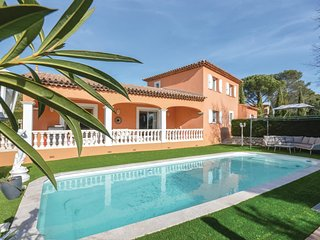 Stunning home in Frejus w/ Outdoor swimming pool, Outdoor swimming pool and 3 Be