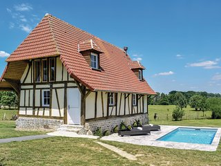 Amazing home in Gournay-en-Bray w/ Outdoor swimming pool, WiFi and Outdoor swimm