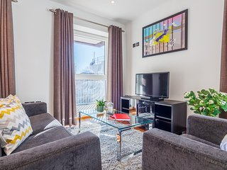 SOPHISTICATED TWO BEDROOM APT IN DISS STREET, HOXTON