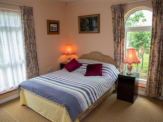 Twin room in beautiful country home near the Rock of Cashel