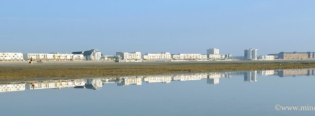 The seafront of Berck. The apartment is full center.
