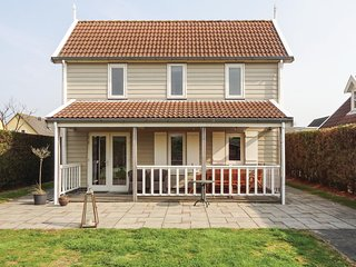 Awesome home in Wemeldinge w/ WiFi and 3 Bedrooms (HZE120)