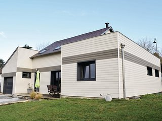 Nice home in Pacy sur eure w/ WiFi and 3 Bedrooms