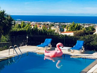 Luxury villa,Sea an mountain views,private garden.exclusive location Kyrenia