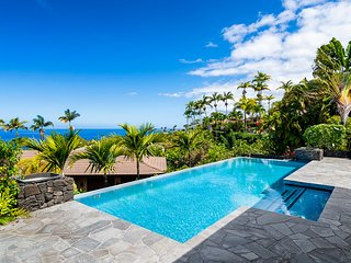**Discount Rates Apply** Blue Hawaii, a 3BR Plus Bonus Room & 3.5 Bath Private H