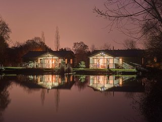 Heron Lodge, South View Lodges - A beautiful lakeside lodge on a tranquil resort