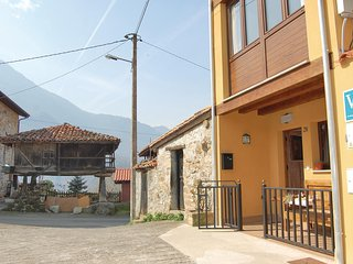 Amazing home in Cirieno w/ 2 Bedrooms