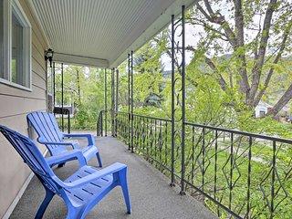 Glenwood Springs Home w/ Mtn Views - Walk Downtown