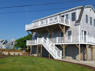 Gorgeous river/ocean home - new 2016 - Only 1 week in summer 7/13-7/20