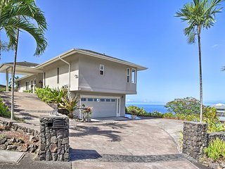 Custom-Built Kona Coast Home - Mins to Magic Sands