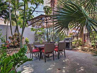 NEW! Cozy Apt w/Shared Yard, Walk to Pompano Beach
